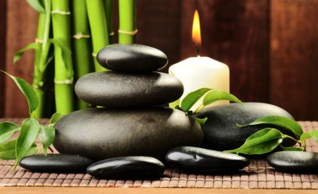 massagem-com-pedras-quentes-176863091